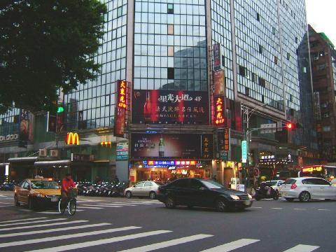 東森房屋-台北市房屋實價登錄查詢新生北路採光大套房出售