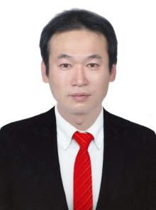 鮑逸俊 / 營業員
